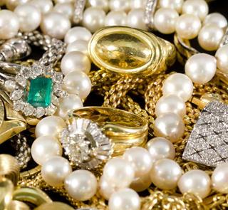 Schmuckverkauf online  Schmuck, Gravurschmuck günstig online kaufen - Juwelier Online ...